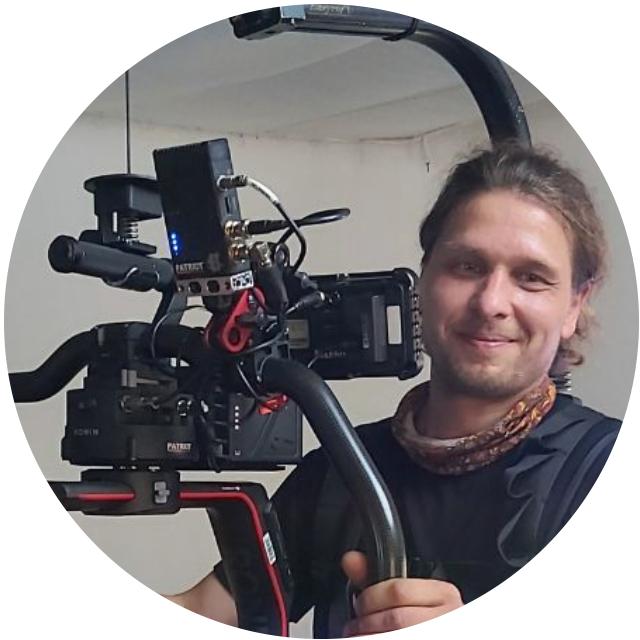 https://tvoyfilm.com.ua/wp-content/uploads/2020/11/Alex-640x640.png